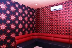 Giấy dán tường dành cho phòng karaoke