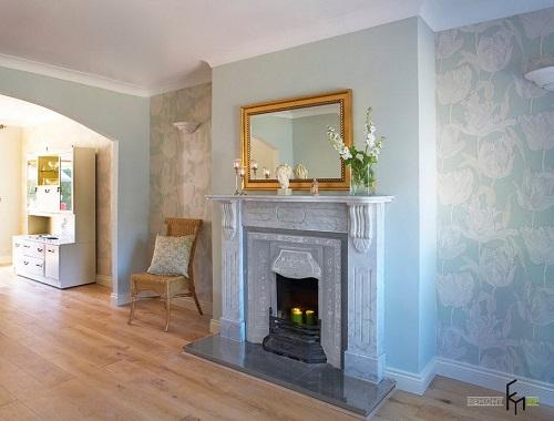 Các loại giấy dán tường có hoa văn 3D màu sắc nhã nhặn sẽ khiến ngôi nhà sang trọng và có thêm chiều sâu hơn.