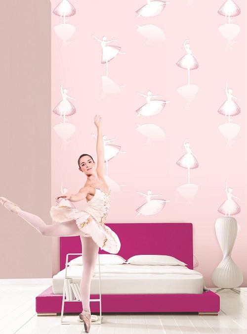 iấy dán tường màu hồng kết hợp hoạ tiết đơn giản