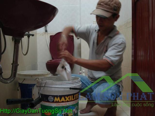 cách pha keo để dán giấy dán tường