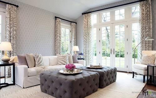 Họa tiết trung tính nhã nhặn sẽ phù hợp với không gian phòng khách có diện tích rộng. Tuy nhiên cần phối nội thất hợp lý để tránh gây sự tương phản.